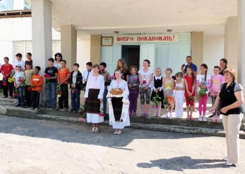 Herzlicher Empfang durch die Kinder von Misovca.